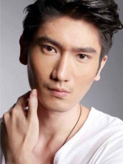 Charles高宇橋    Height: 188cm Bust: 38'' Waist: 31.5'' Hips: 38'' Shoes: 12 Eyes: Brown Hair: Black