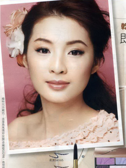 Catherine王奕茵    Height: 168cm Bust: 34'' Waist: 25'' Hips: 36'' Shoes: 24.5 Eyes: Black Hair: Black